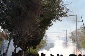 Condena Frayba represión a caravana de familiares de normalistas de Ayotzinapa en Chiapas