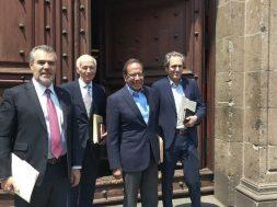 Empresarios se reúnen con AMLO en palacio Nacional para tratar crisis por Covid-19