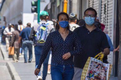 En el municipio de Toluca fue aprobado el uso obligatorio del cubrebocas en sitios  públicos, de no atender la indicación se puede ser acreedor a una multa o arresto inconmutable.