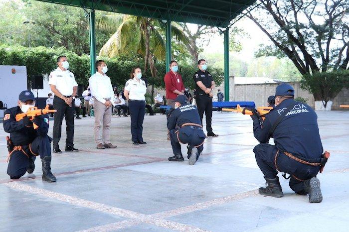 Concluye curso de formación inicial para policías preventivos en Tuxtla Gutiérrez