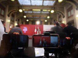 Conferencia-Matutina-AMLO-mañanera-medios-de-comunicación-celulares