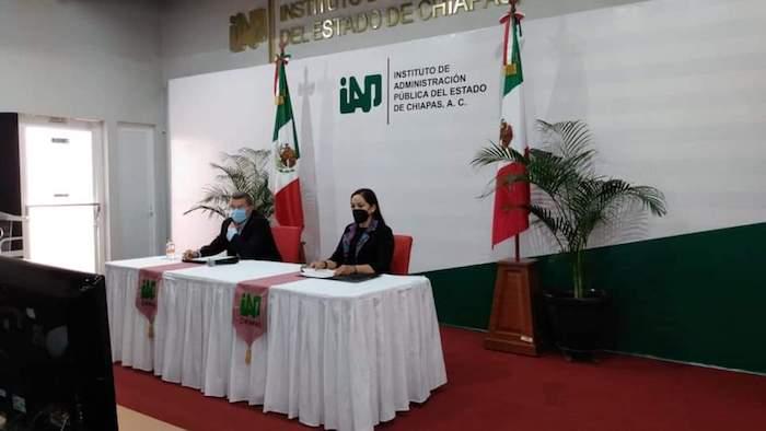 Profesionalización y capacitación permitirá avances en desarrollo: Bustamante Castellanos