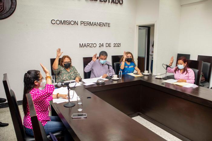 Congreso aprueba licencias solicitadas por autoridades municipales