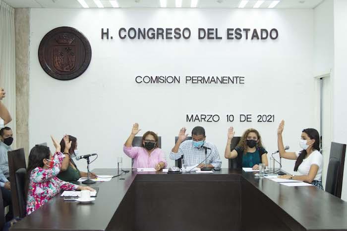 Aprueban licencia a diputados, alcaldes e integrantes de Ayuntamientos