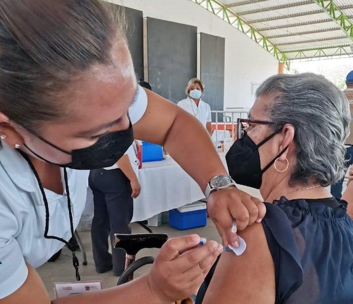 Se reanudan actividades en 8 puntos de vacunación Covid-19 en Chiapas