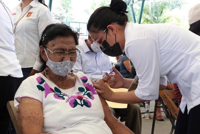 Se reabre la vacunación para mayores de 60 años. Mañana viernes / Crónica Chiapaneca