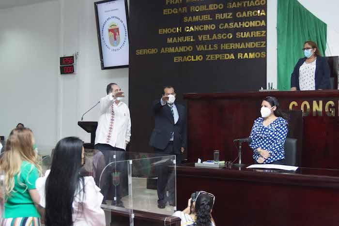 Toman protesta a magistrados del Poder Judicial en Congreso de Chiapas