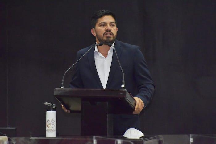 Por congruencia política, Luis Fernando Cruz Cantoral dejará Cespelo
