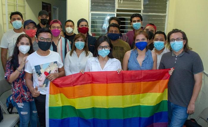 Katy Aguiar pide respeto a la comunidad LGBTTIQ; visita varias colonias de Tuxtla
