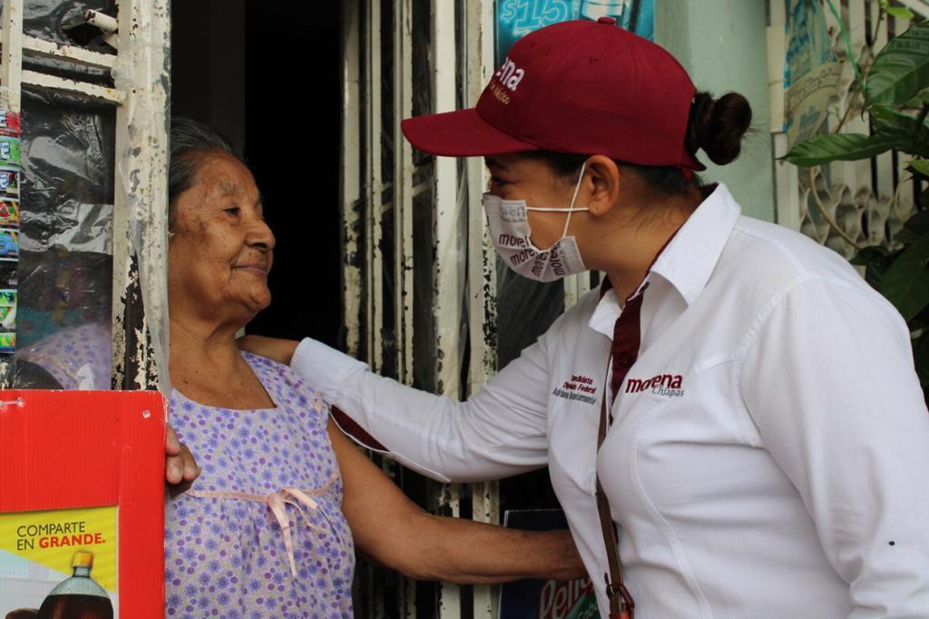 Tenemos que apoyar el combate contra la corrupción: Adriana Bustamante