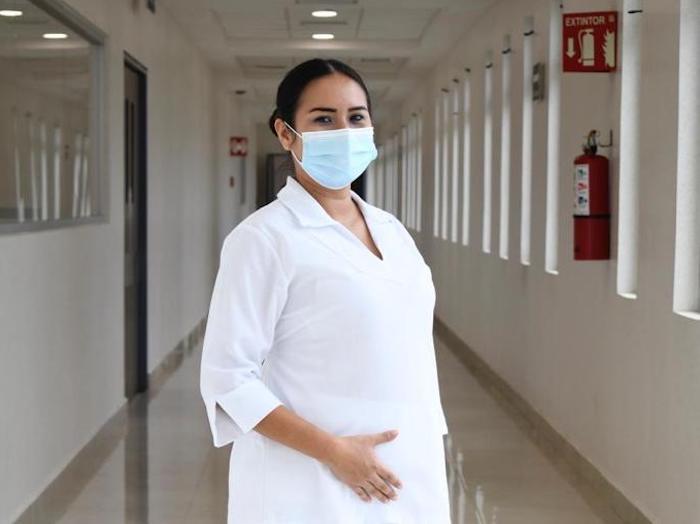 Ser madre y combatir la pandemia, reto personal y laboral: enfermera del IMSS