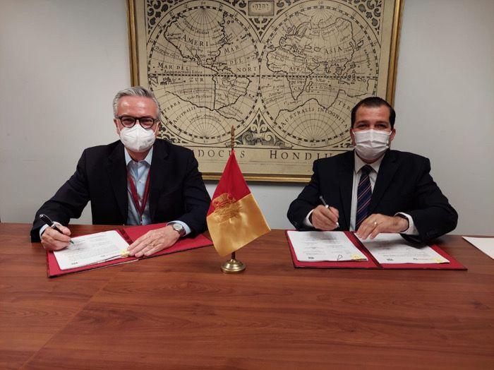 Firma IMSS Chiapas convenio para avalar especialidades médicas con la Universidad Autónoma de Guadalajara
