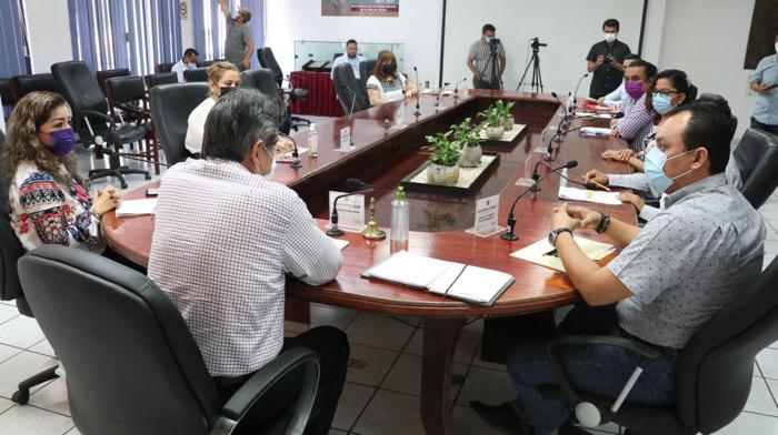 Acuerda Cabildo tuxtleco suspender retenciones de cuotas sindicales en beneficio de trabajadores