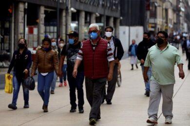 personas-con-cubrebocas-en-calles-de-la-ciudad-de-mexico-ante-la-pandemia-de-coronavirus